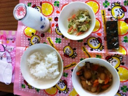 110517給食.JPG
